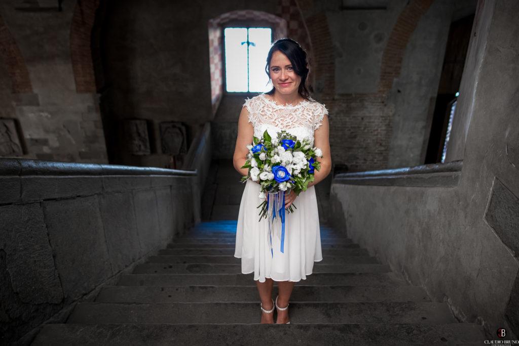 Sposa sui gradini del Comune