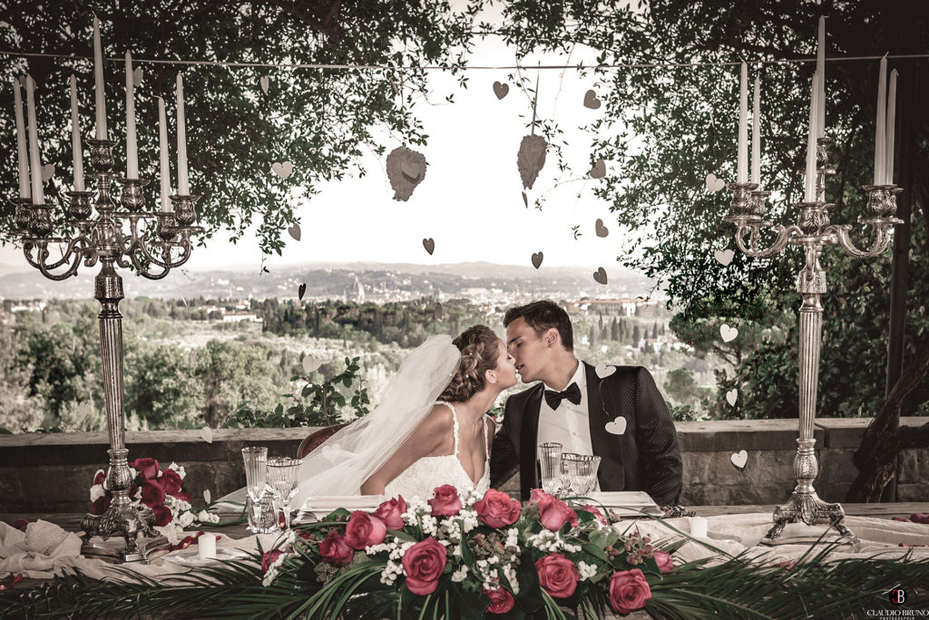 Wedding kiss in Florence